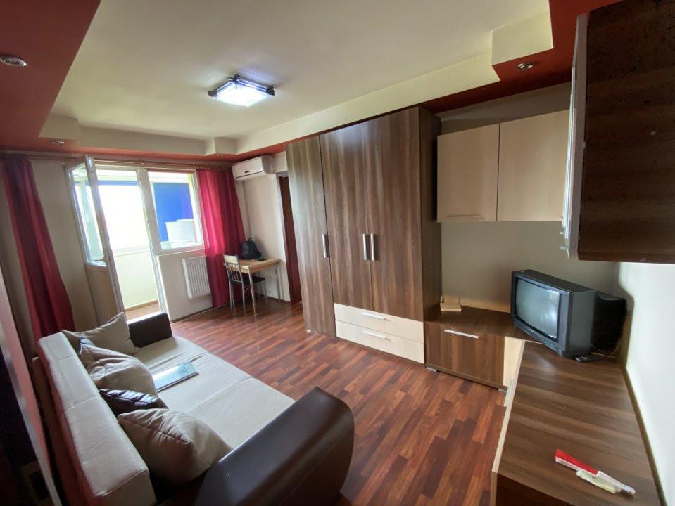 Apartament cu 2 camere, semidecomandat, de vanzare, in Timisoara. 1