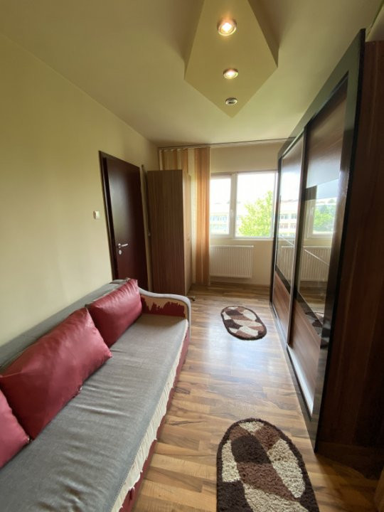 Apartament cu 2 camere, semidecomandat, de vanzare, in Timisoara. 4