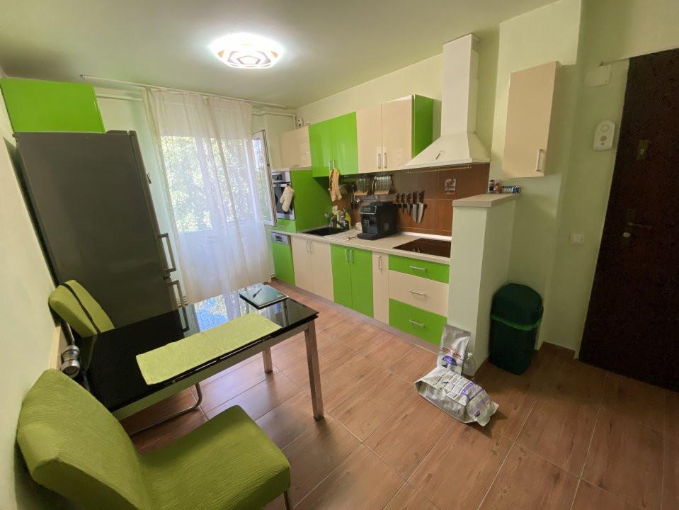 Apartament cu 3 camere, semidecomandat, de vanzare, in Timisoara. 9