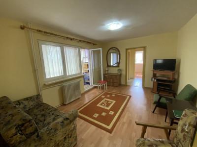 Apartament cu 3 camere, semidecomandat, de vanzare, in Timisoara, zona Dacia.