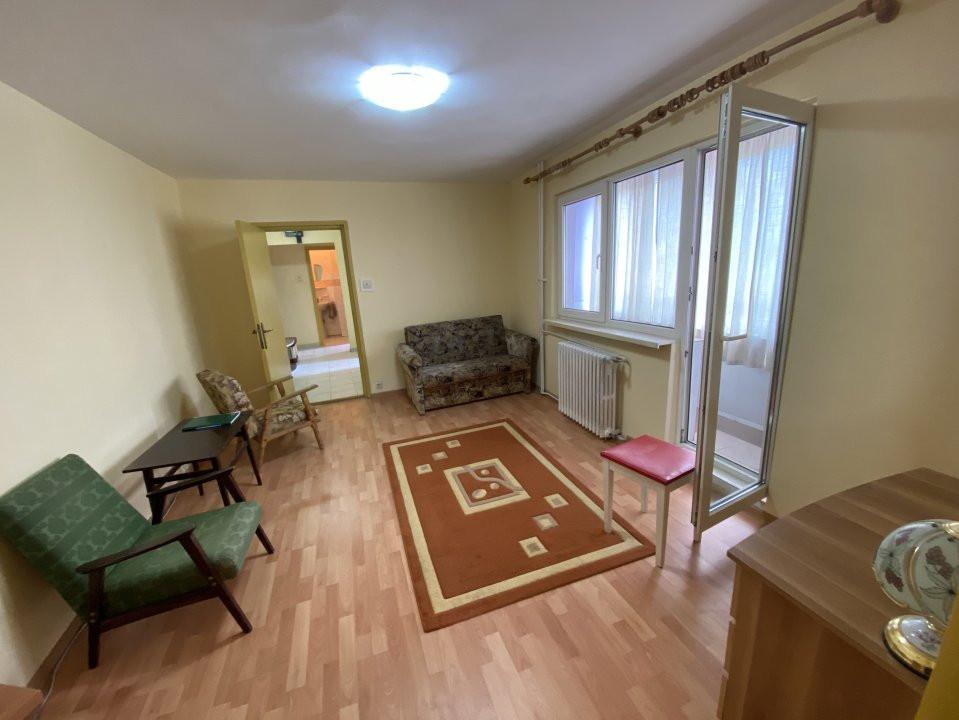 Apartament cu 3 camere, semidecomandat, de vanzare, in Timisoara, zona Dacia. 1