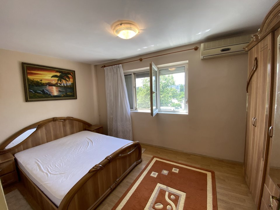 Apartament cu 3 camere, semidecomandat, de vanzare, in Timisoara, zona Dacia. 3