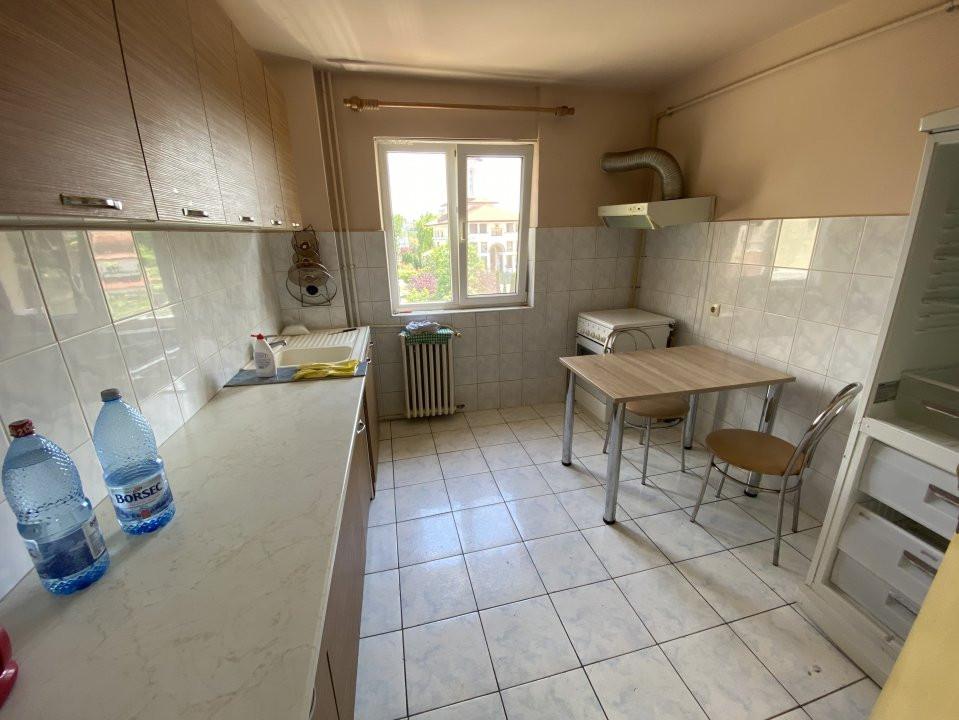 Apartament cu 3 camere, semidecomandat, de vanzare, in Timisoara, zona Dacia. 7