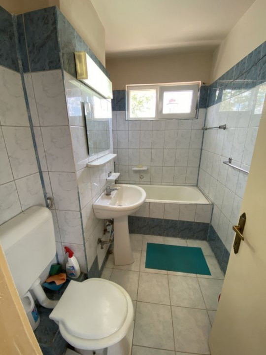 Apartament cu 3 camere, semidecomandat, de vanzare, in Timisoara, zona Dacia. 8
