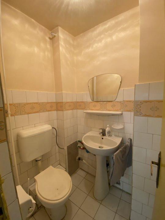 Apartament cu 3 camere, semidecomandat, de vanzare, in Timisoara, zona Dacia. 9