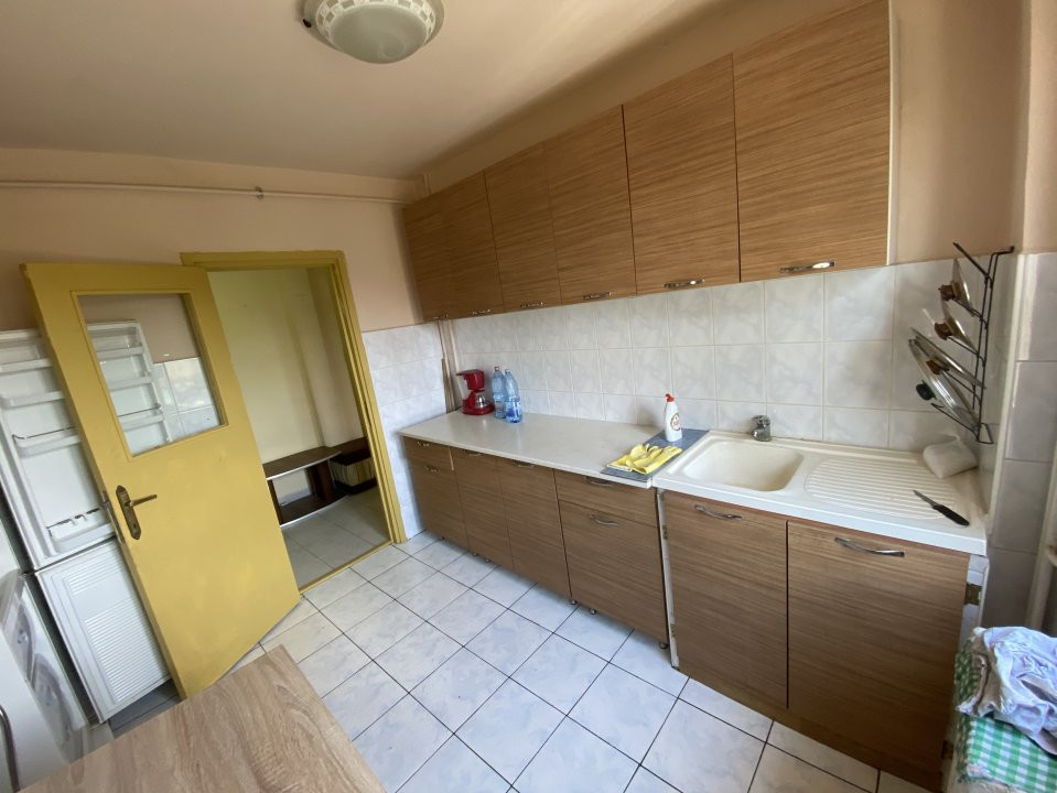 Apartament cu 3 camere, semidecomandat, de vanzare, in Timisoara, zona Dacia. 13