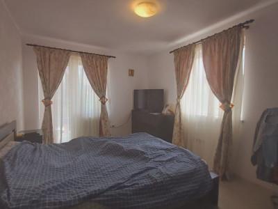 Casa individuala cu 3 camere, strada inchisa, zona linistita la Padure  - V2031