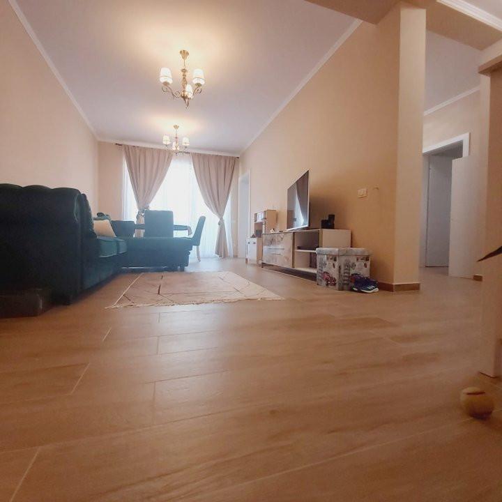 Confortul unei case in apartamentul cu 3 camere, gradina de 60 mp, Cora- V2032 2
