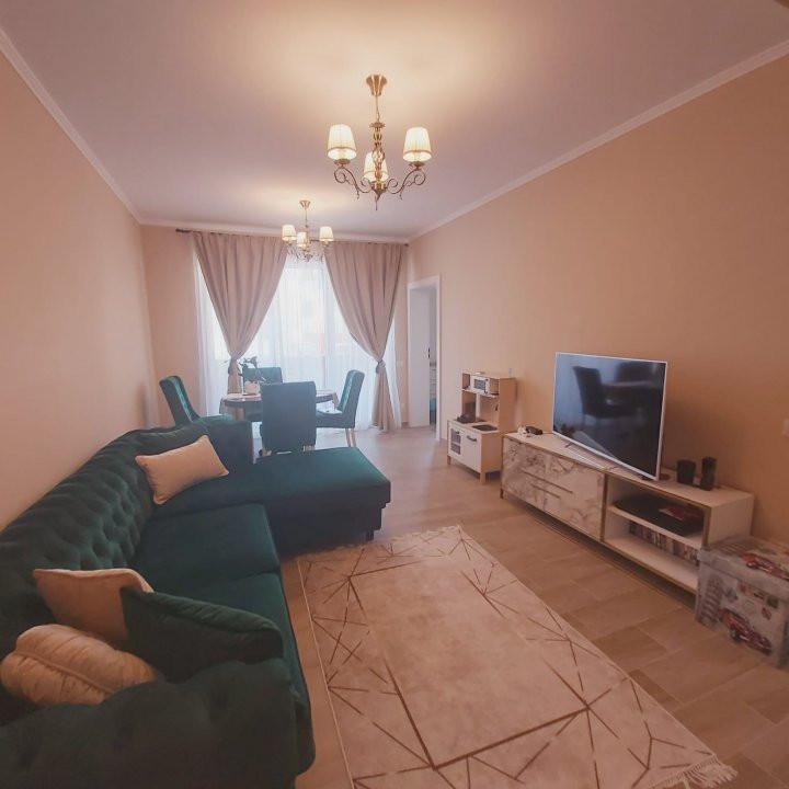 Confortul unei case in apartamentul cu 3 camere, gradina de 60 mp, Cora- V2032 1