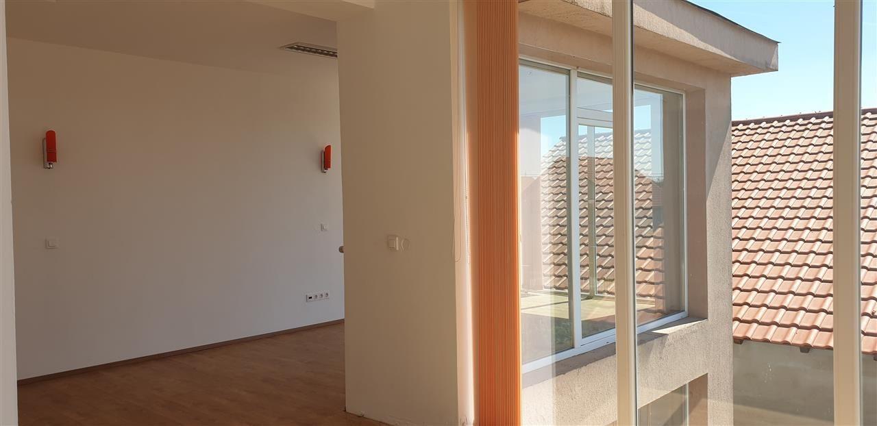 Casa individuala 7 camere de vanzare Mosnita Noua - ID V445 24