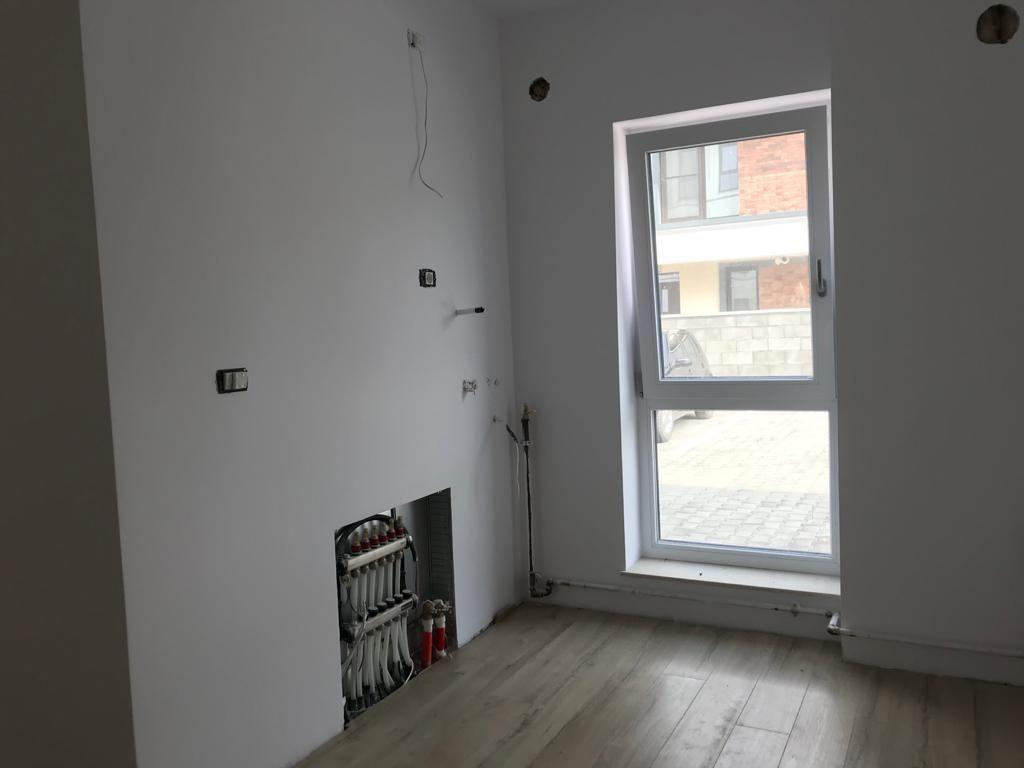 Apartament 2 camere in bloc tip vila Giroc - ID V391 9