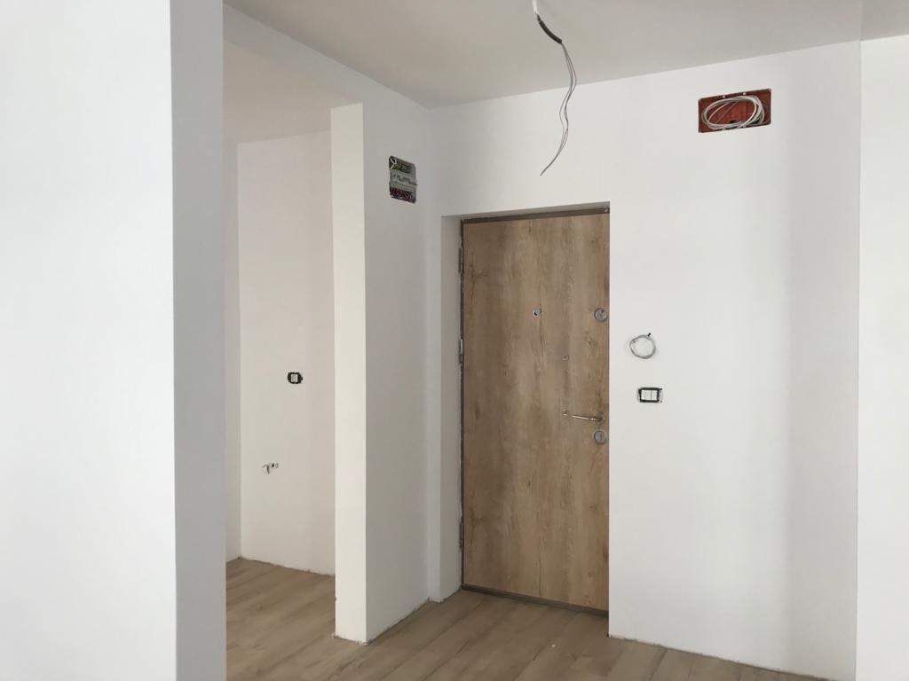 Apartament 2 camere in bloc tip vila Giroc - ID V391 10
