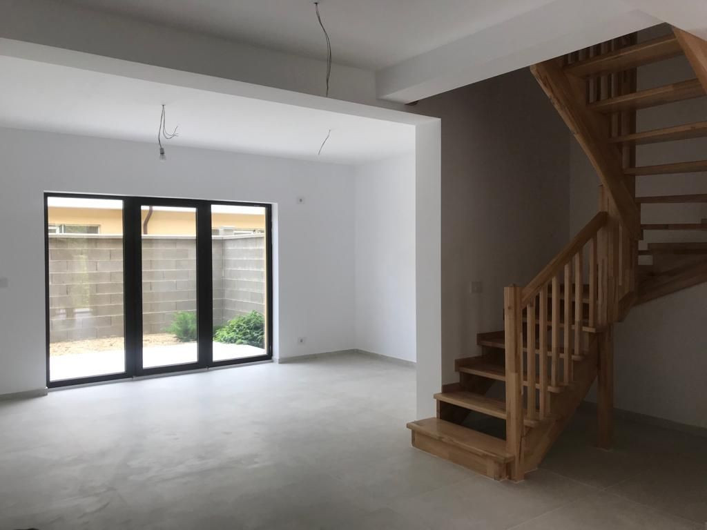 Apartament in stil englezesc 3 camere Giroc - ID V390 1
