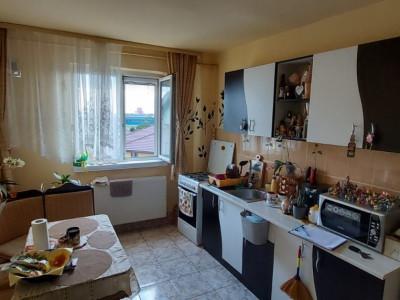 Apartament 2 camere, etaj4/5 cu lift, Dambovita - V2212
