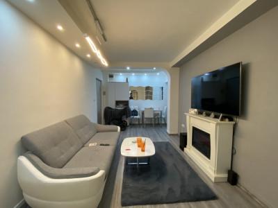 Apartament cu 3 camere, semidecomandat, de vanzare, in Timisoara, zona Lipovei.