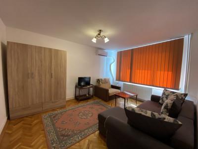 Apartament cu 2 camere, semicomandat, de inchiriat, zona Marasti.