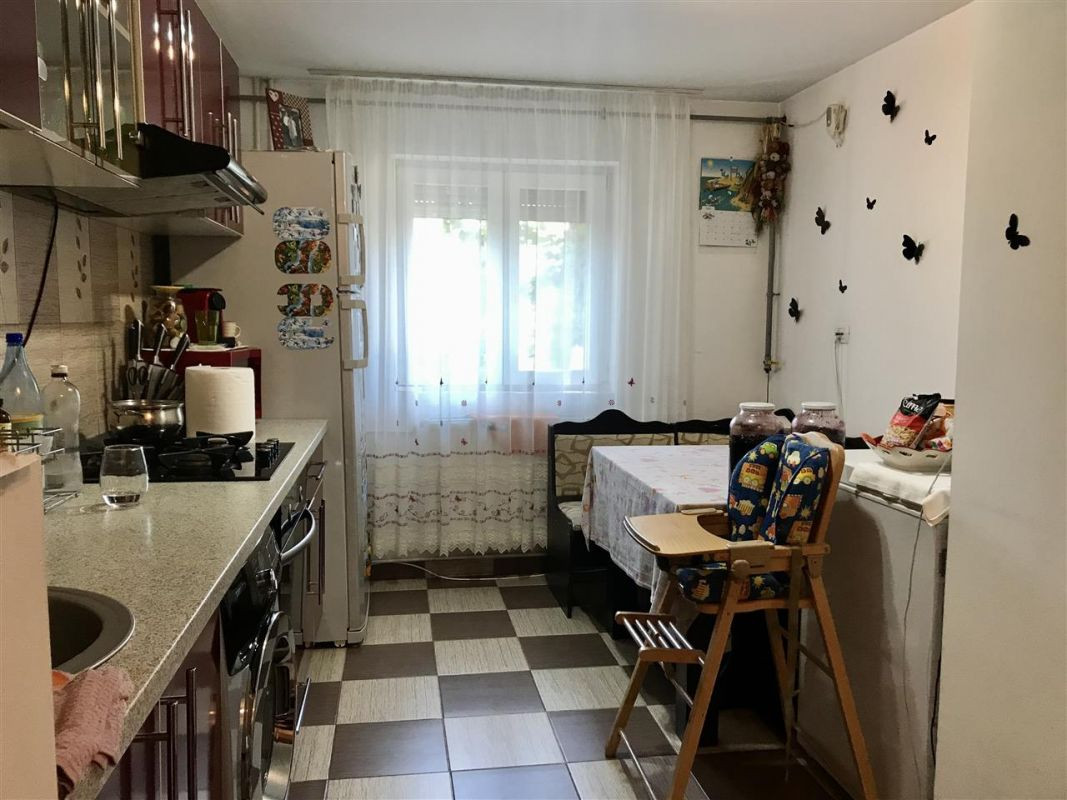 Apartament 2 camere,de vanzare, zona Lipovei - ID V378 8