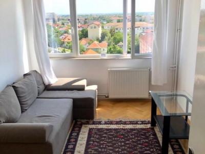 De inchiriat apartament cu 3 camere decomandat