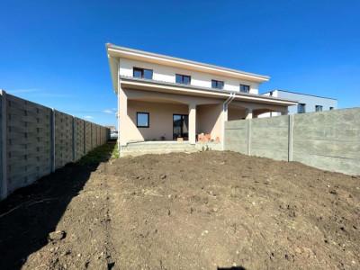 Duplex 5 camere in zona linistita, acces facil, Cora- Dumbravita - V2292
