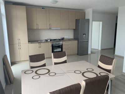 Apartament modern aflat la prima inchiriere!