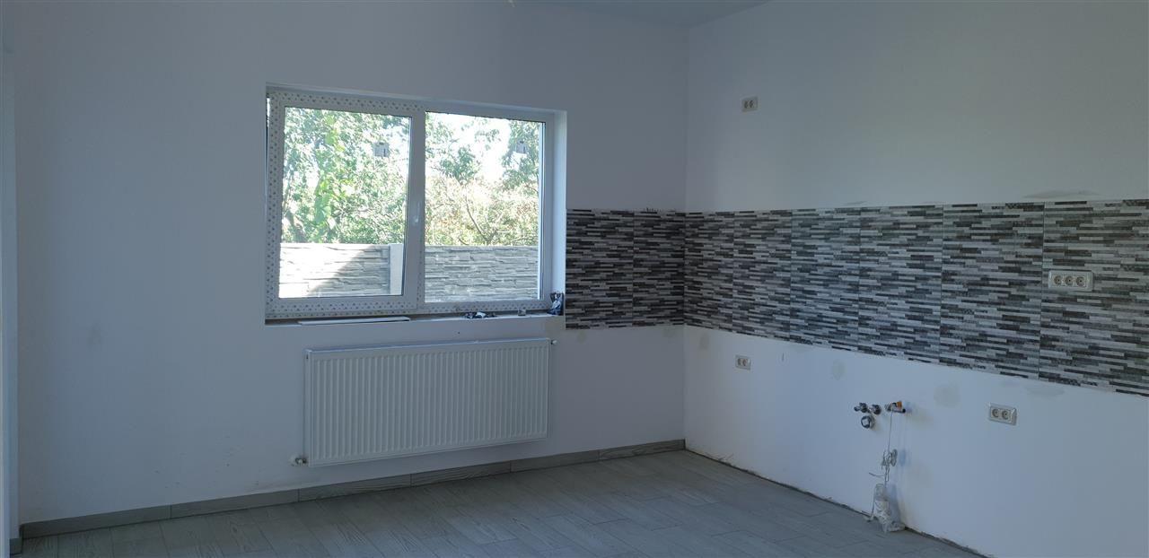 Casa tip duplex 4 camere de vanzare Mosnita Noua - ID V442 8