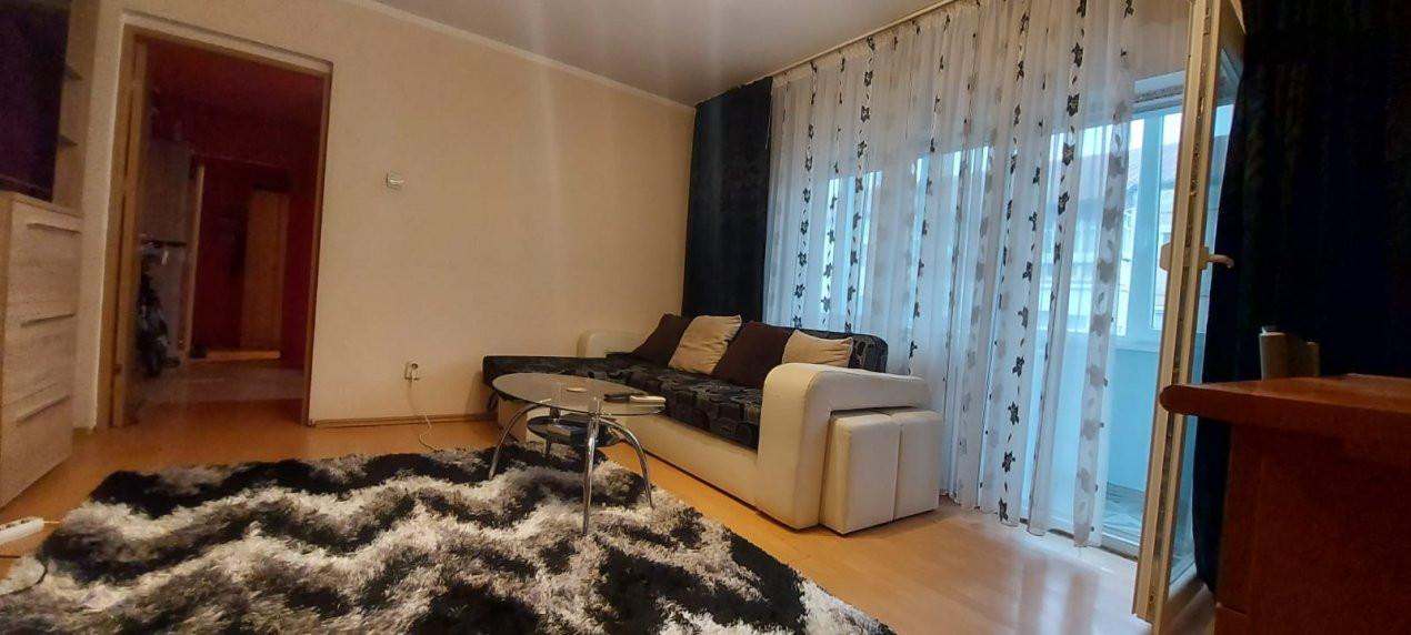 Apartament 3 camere, etaj 3/4, complet utilat si mobilat, zona Dambovita - V2351 1