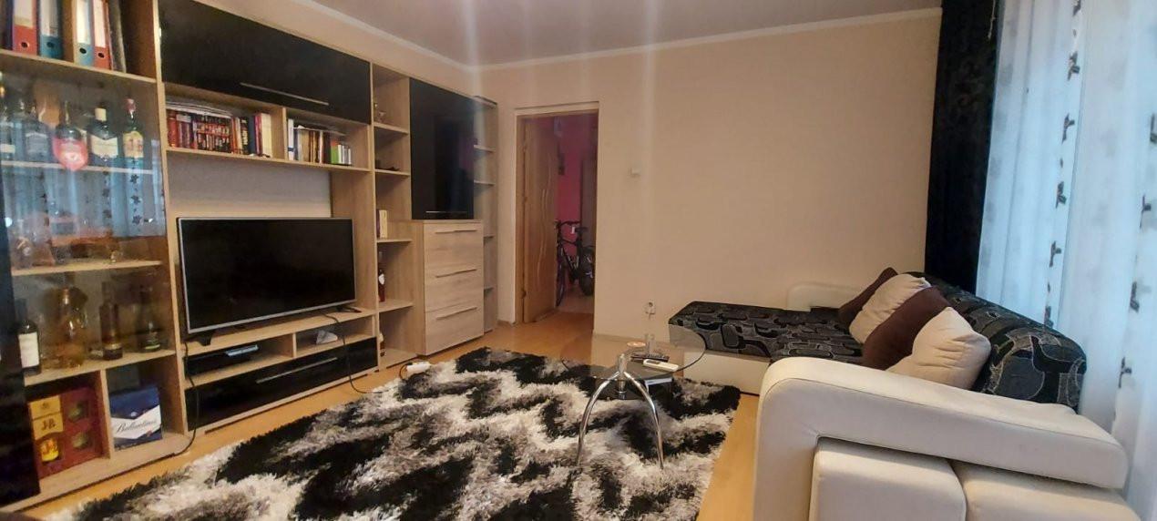 Apartament 3 camere, etaj 3/4, complet utilat si mobilat, zona Dambovita - V2351 7