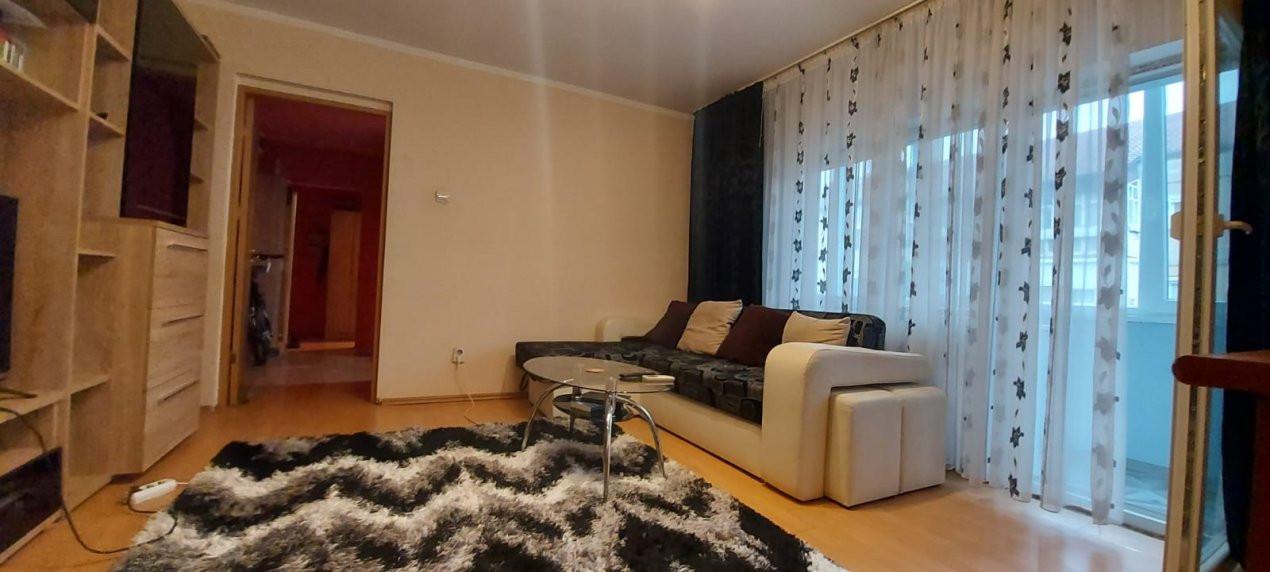 Apartament 3 camere, etaj 3/4, complet utilat si mobilat, zona Dambovita - V2351 12