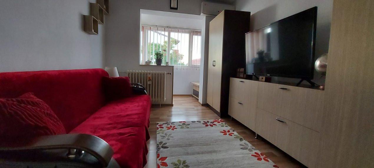 Apartament 2 camere, decomandat, renovat, zona Sagului - V2367 1