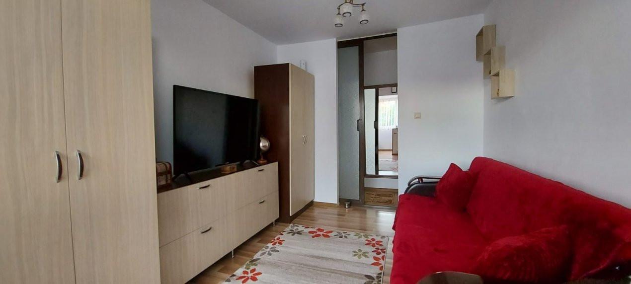 Apartament 2 camere, decomandat, renovat, zona Sagului - V2367 2
