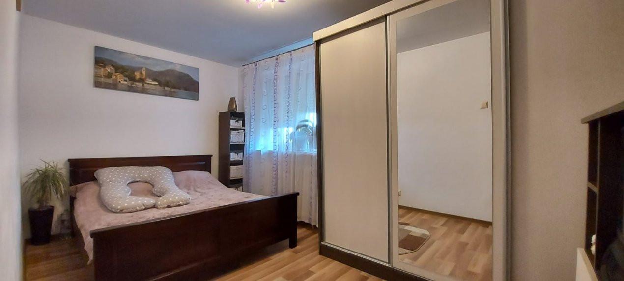 Apartament 2 camere, decomandat, renovat, zona Sagului - V2367 3