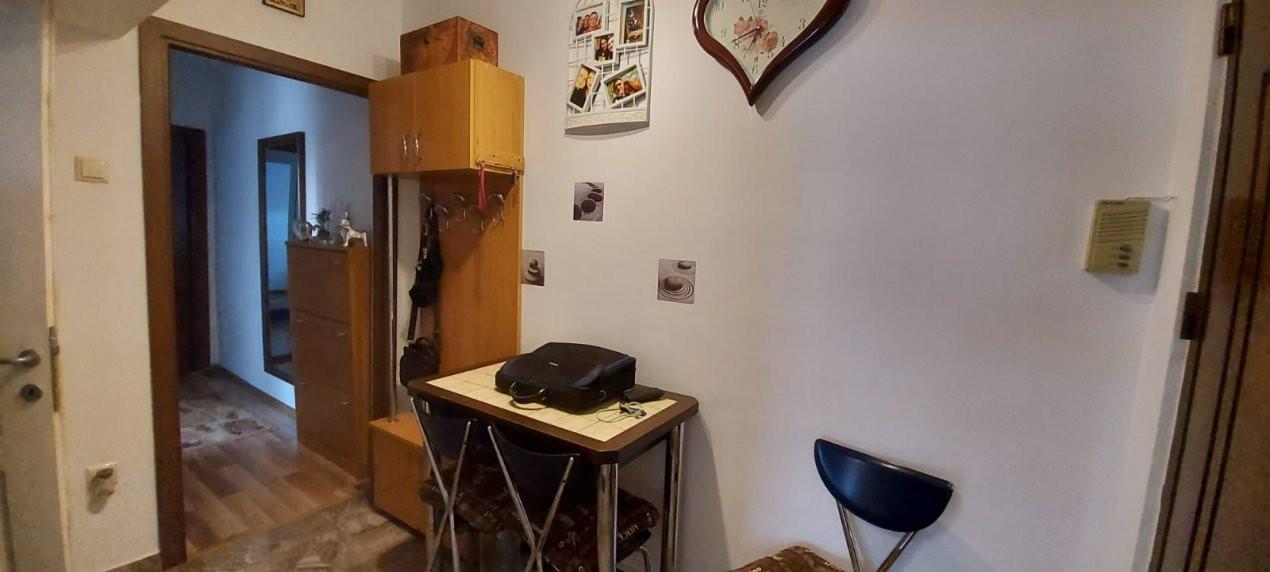 Apartament 2 camere, decomandat, renovat, zona Sagului - V2367 7