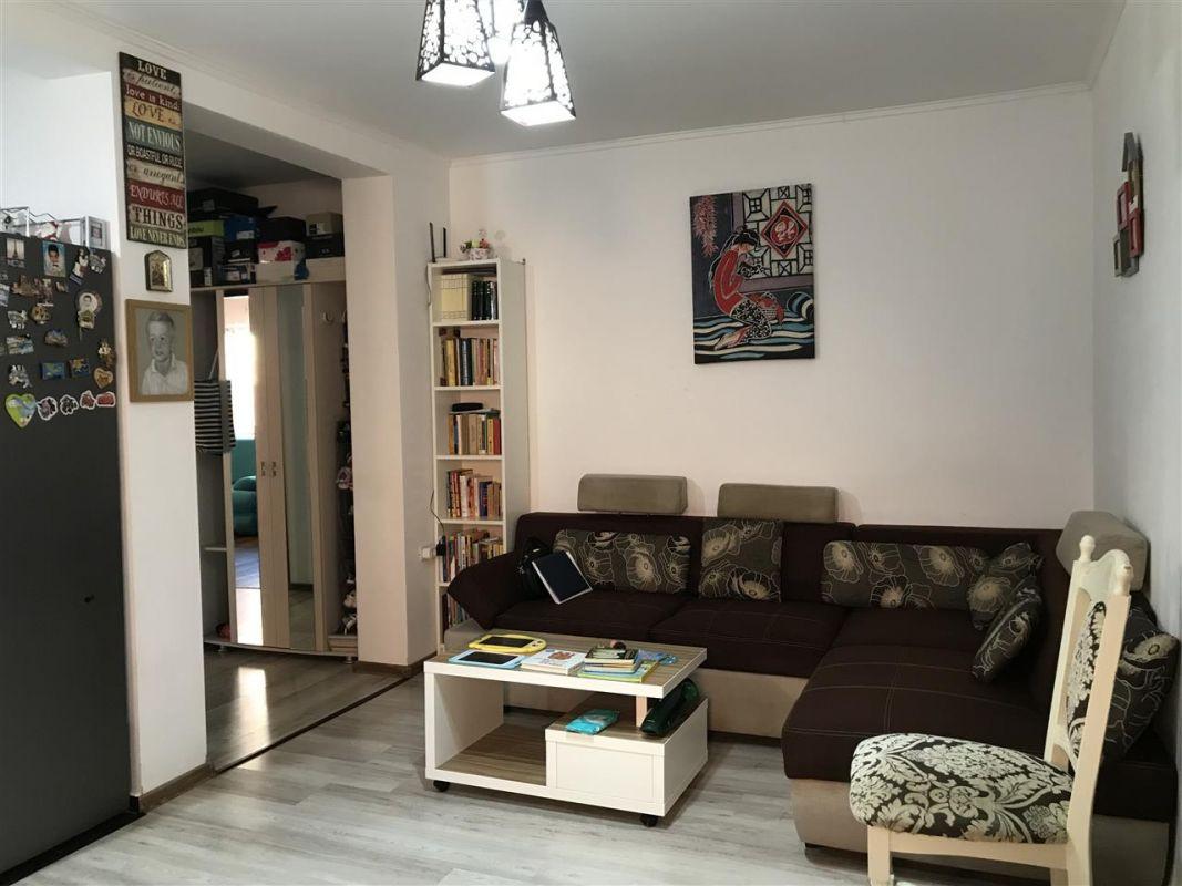 Apartament 3 camere de vanzare zona Dumbravita Negociabil - ID V357 1