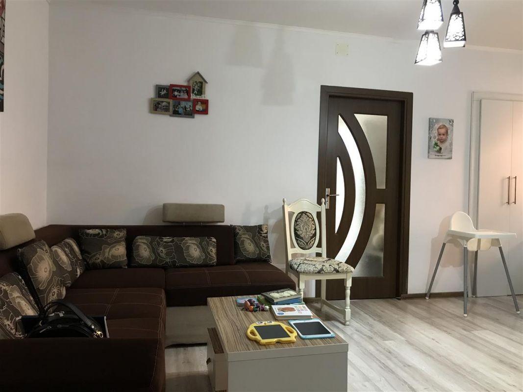 Apartament 3 camere de vanzare zona Dumbravita Negociabil - ID V357 2