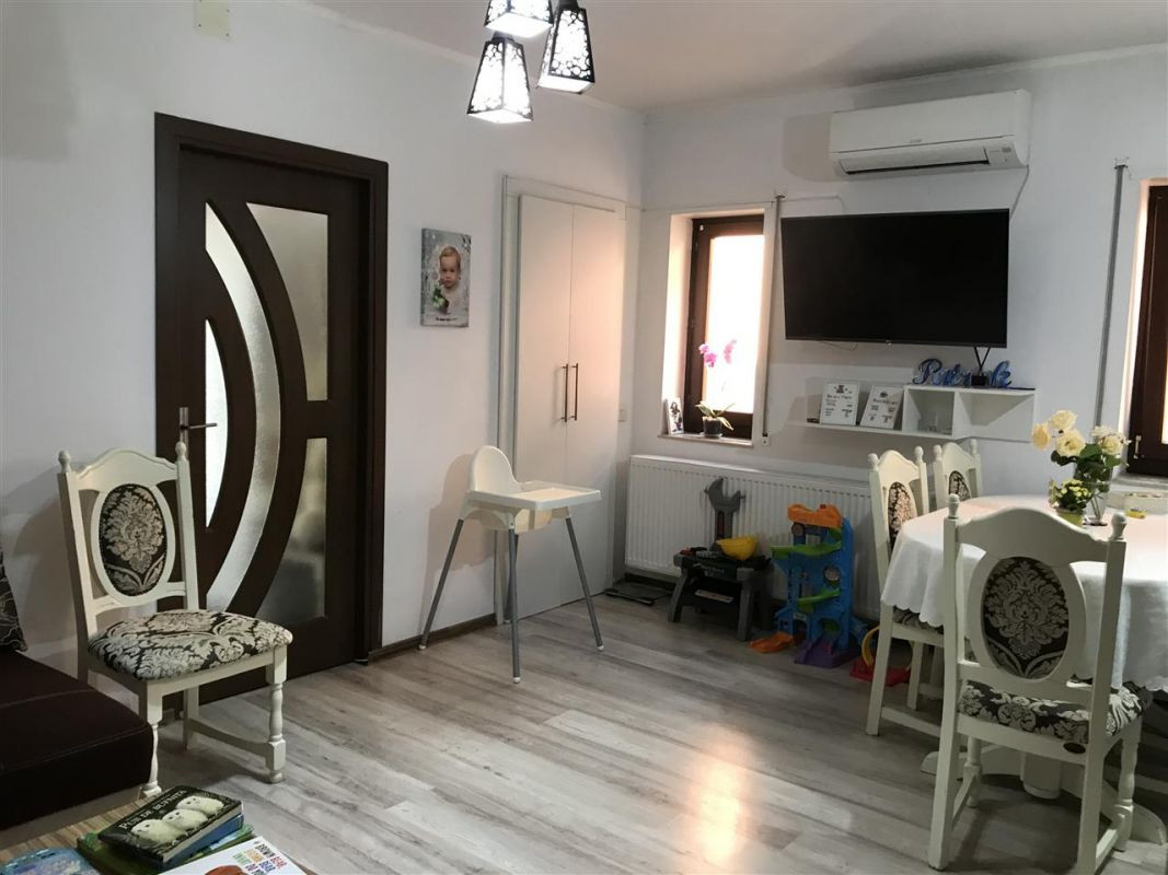 Apartament 3 camere de vanzare zona Dumbravita Negociabil - ID V357 3