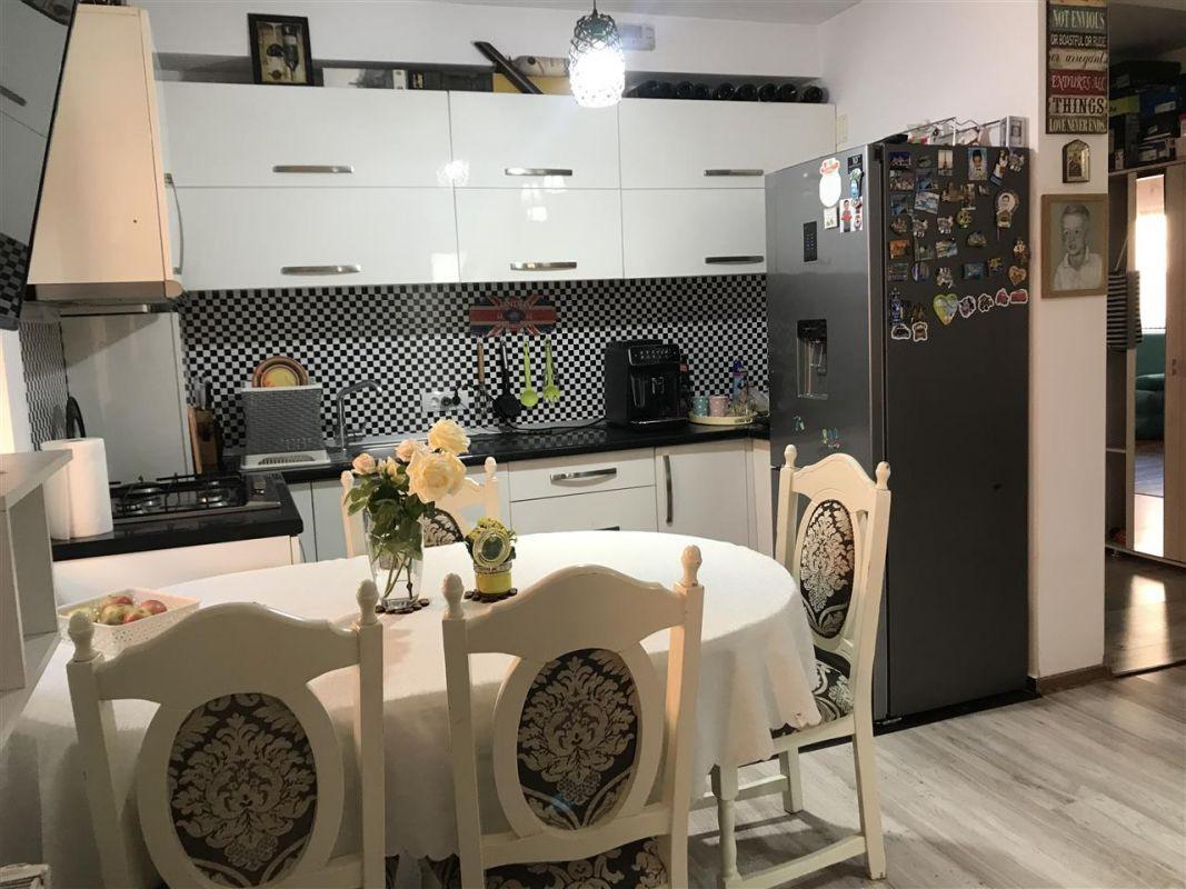 Apartament 3 camere de vanzare zona Dumbravita Negociabil - ID V357 5
