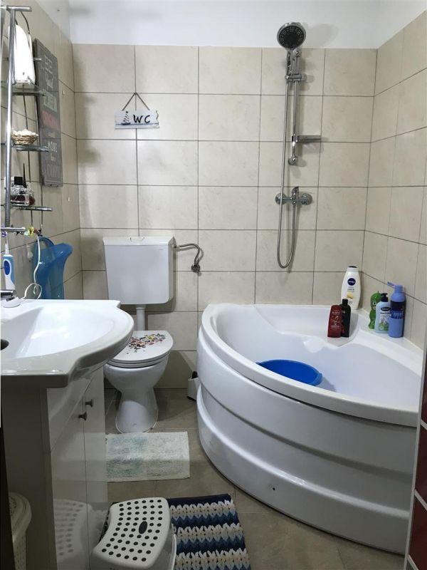 Apartament 3 camere de vanzare zona Dumbravita Negociabil - ID V357 10