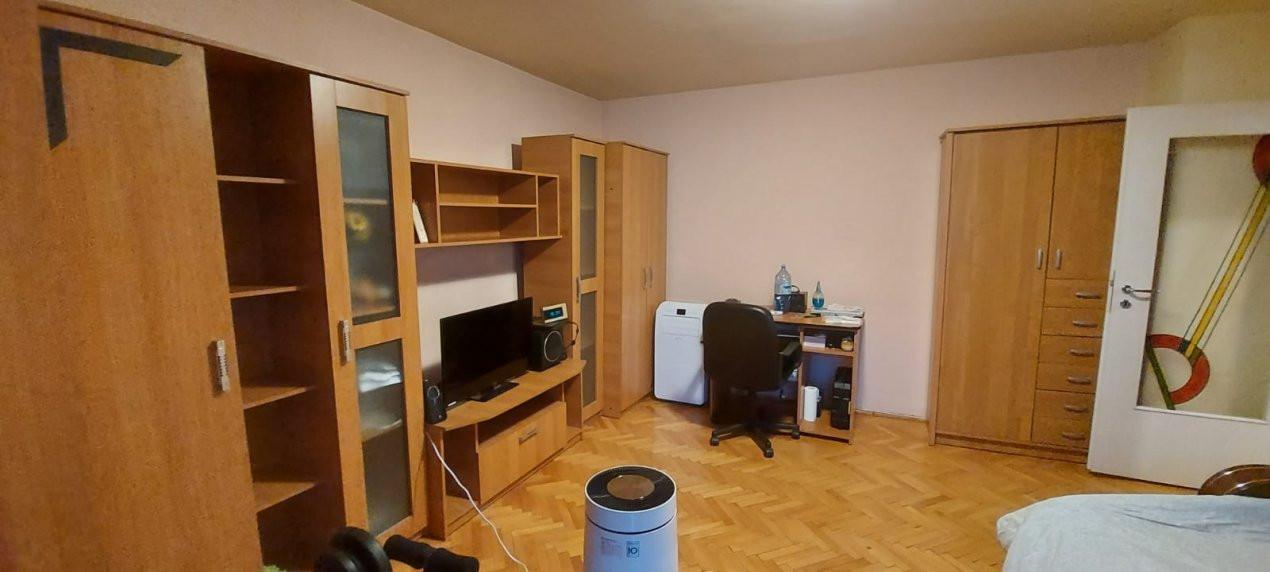 Apartament 1 camera, Etaj 1, Decomandat, zona Steaua - V2376 3