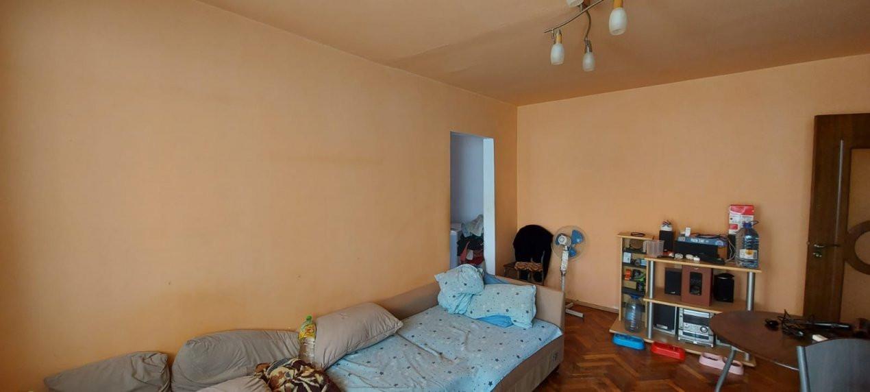 Oportunitate imobiliara! Apartament 2 camere, etaj 1, zona Dambovita - V2383 8