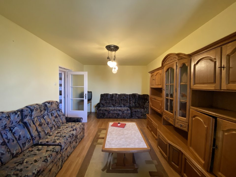 Apartament cu 2 camere, semidecomandat, de inchiriat, in Timisoara. 2
