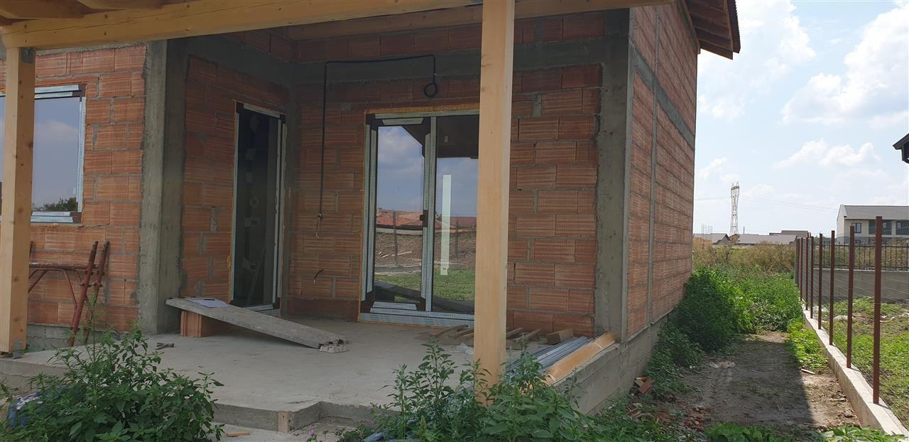 Casa de vanzare 4 camere Mosnita Noua - ID V349 1