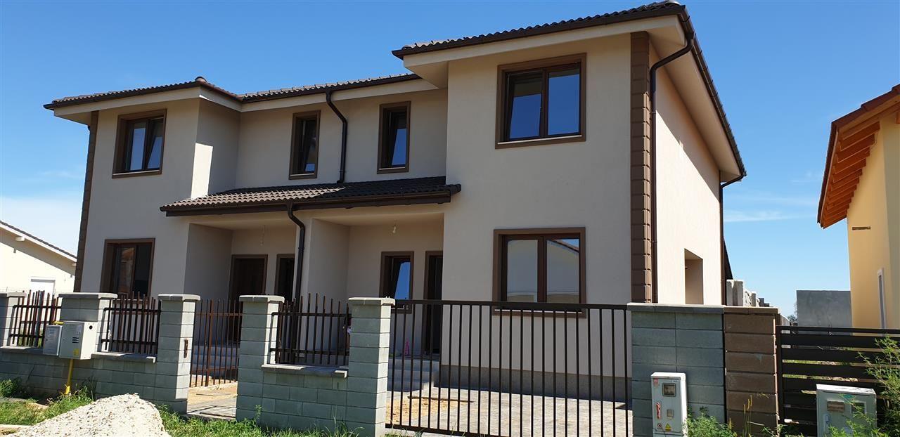 Casa tip duplex 4 camere de vanzare Mosnita Noua - ID V441 2