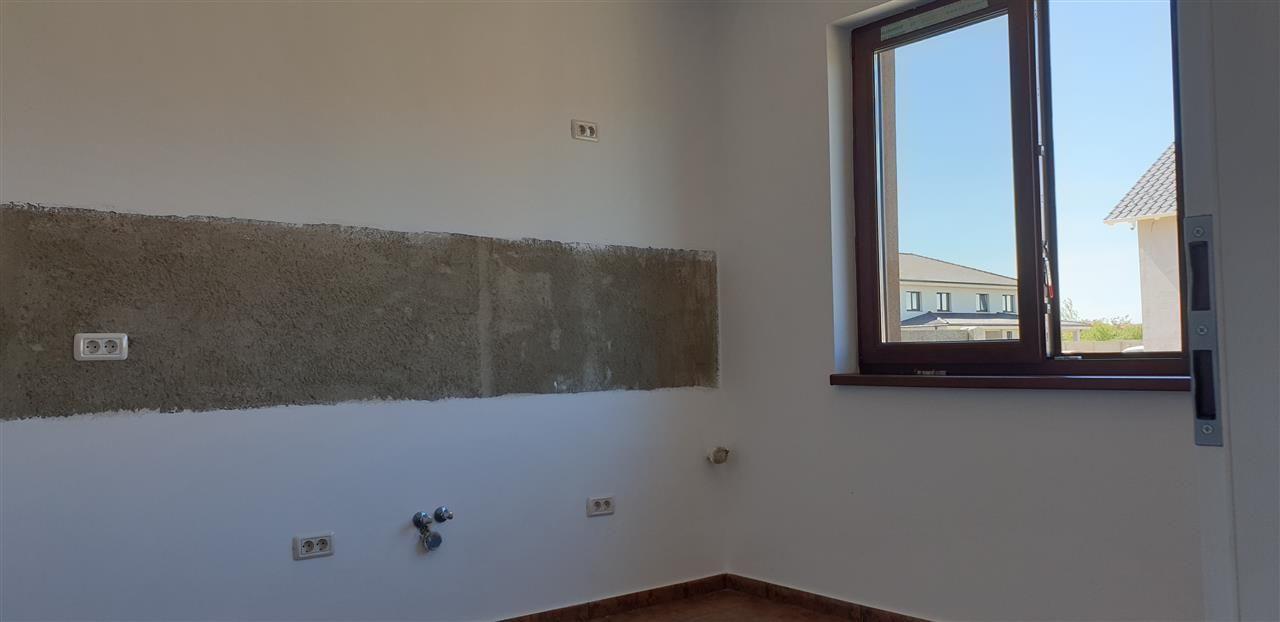 Casa tip duplex 4 camere de vanzare Mosnita Noua - ID V441 17