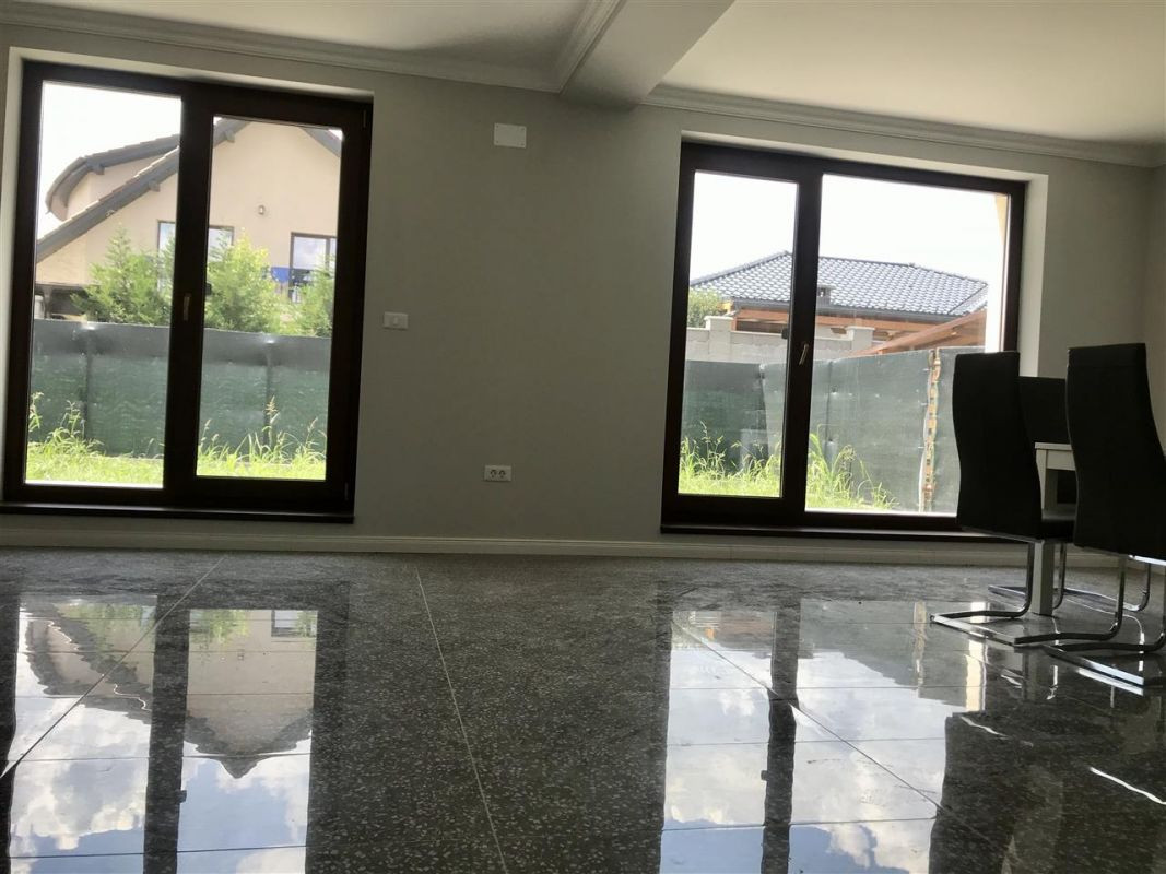 Casa individuala la cheie cu 3 camere de vanzare zona Dumbravita Neg.  - ID V348 5