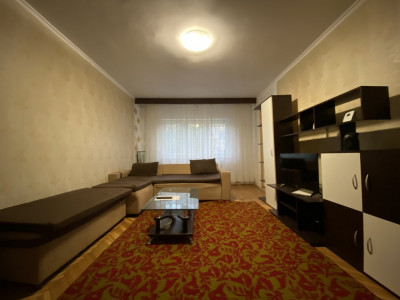 Apartament cu 3 camere, decomandat, de vanzare, in Timisoara zona Aradului.