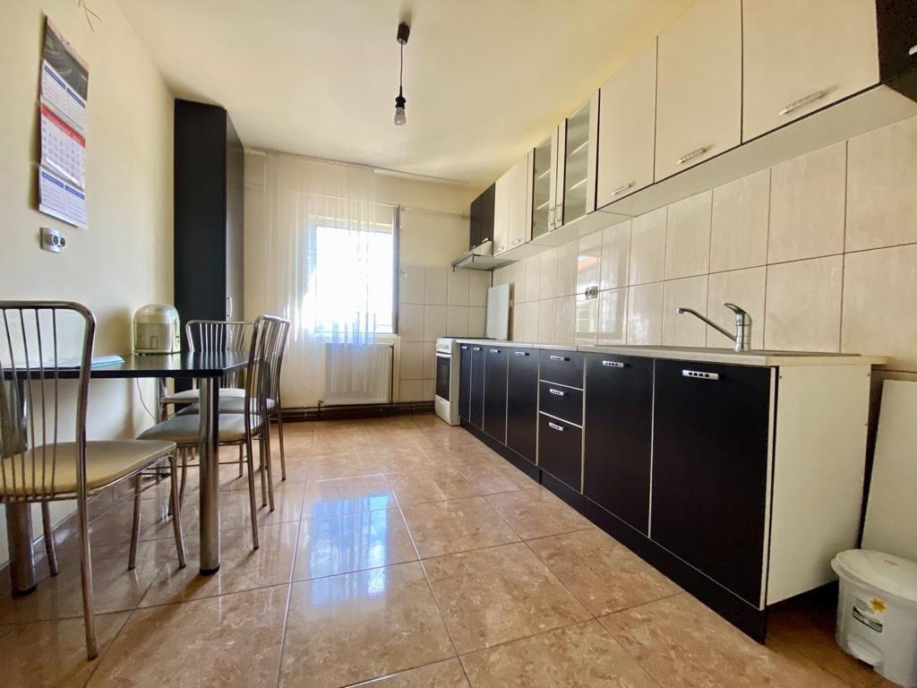 Apartament 3 camere de vanzare zona Soarelui - ID V347 1