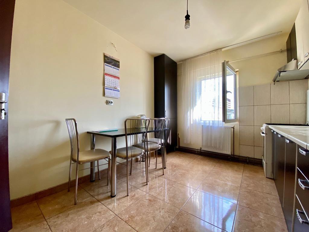 Apartament 3 camere de vanzare zona Soarelui - ID V347 2