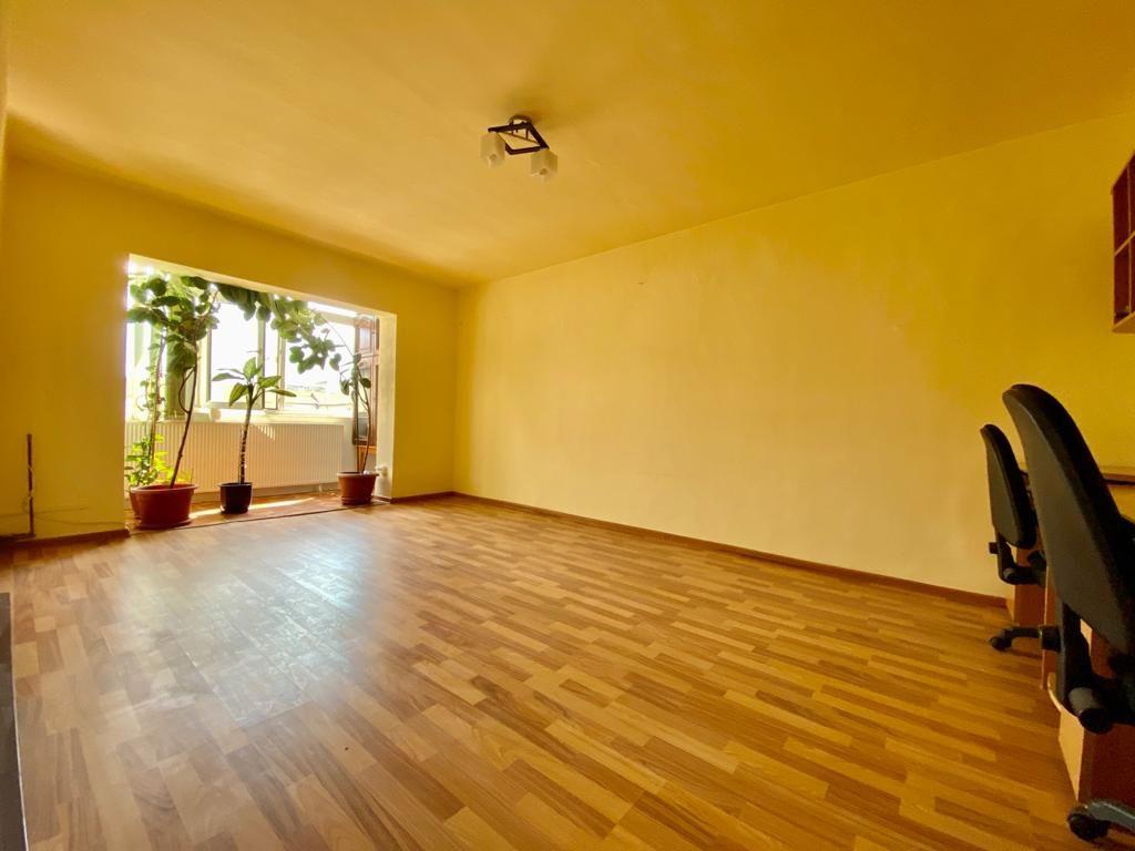 Apartament 3 camere de vanzare zona Soarelui - ID V347 4