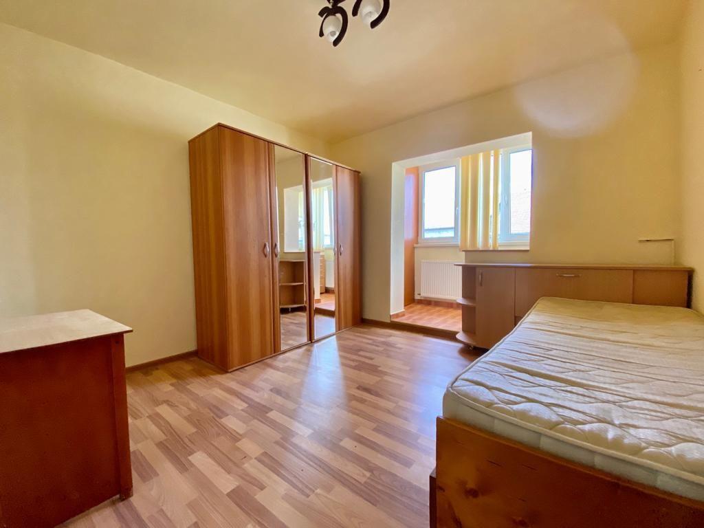 Apartament 3 camere de vanzare zona Soarelui - ID V347 8