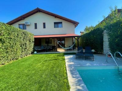Duplex cu piscina, 4 camere, 2 bai, zona linistita - V2474